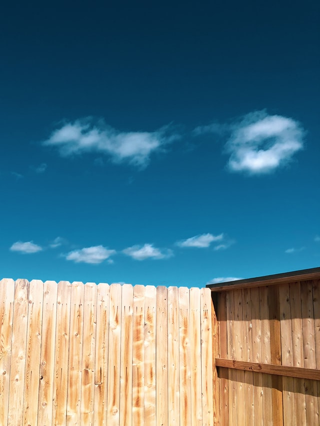 Benefits of Installing a Privacy Fence